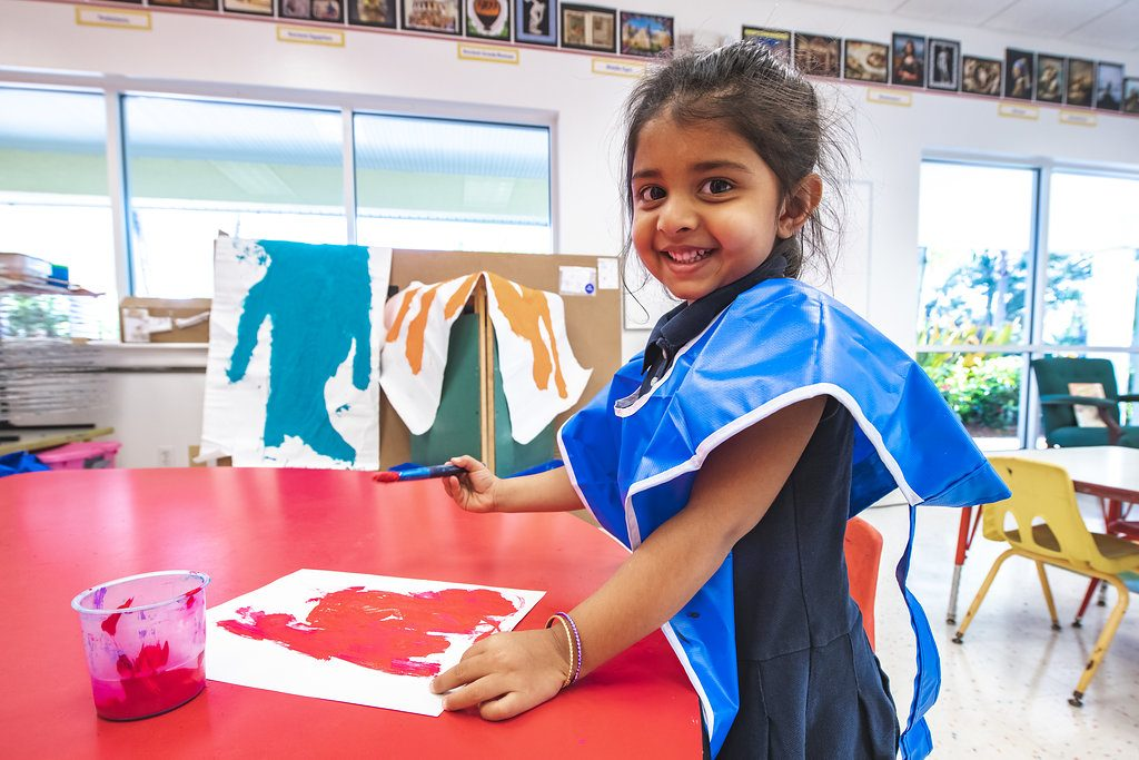 EEAE student in art class image